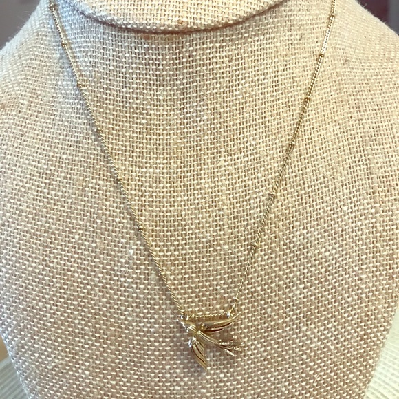 Chloe + Isabel Jewelry - Bird Pendant Necklace